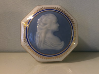 Cameo Medaillon, Sweet Box